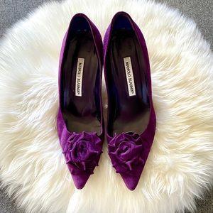 Manolo Blahnik Camelia Pump in Purple Suede